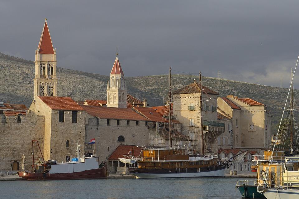 Die Aktstadt vom UNESCO Weltkulturerbe Trogir