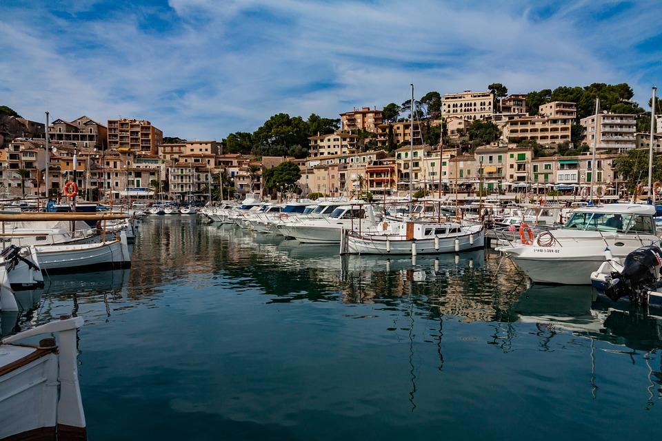Blau = Route A: 7 Tage Segeltörn Rund um Mallorca ab Porto Colom