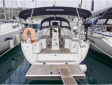 Bavaria Cruiser 33  Buti