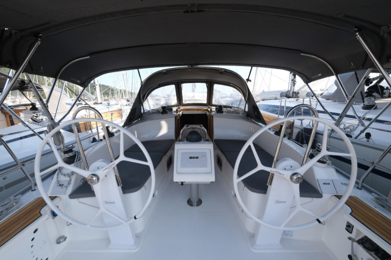 Bavaria Cruiser 37 CRUSH