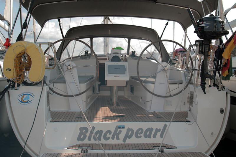 Bavaria Cruiser 37 Black Pearl