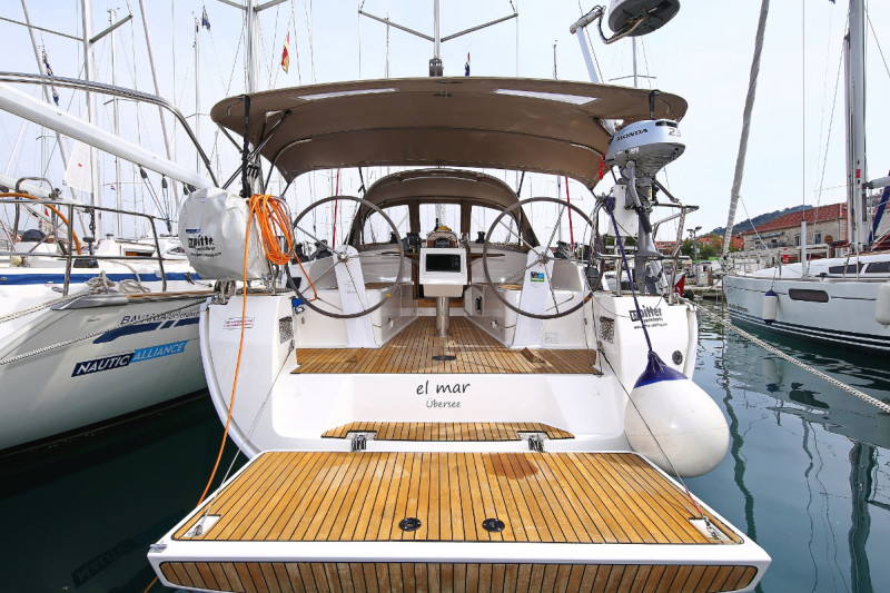 Bavaria Cruiser 37 El mar