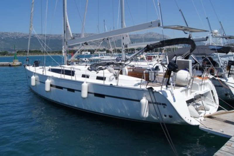 Bavaria Cruiser 56 5 + 1 cab. - Baby Blue 2