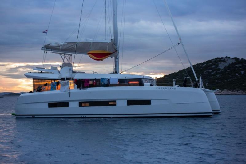 Dufour 48 Catamaran Dreamland