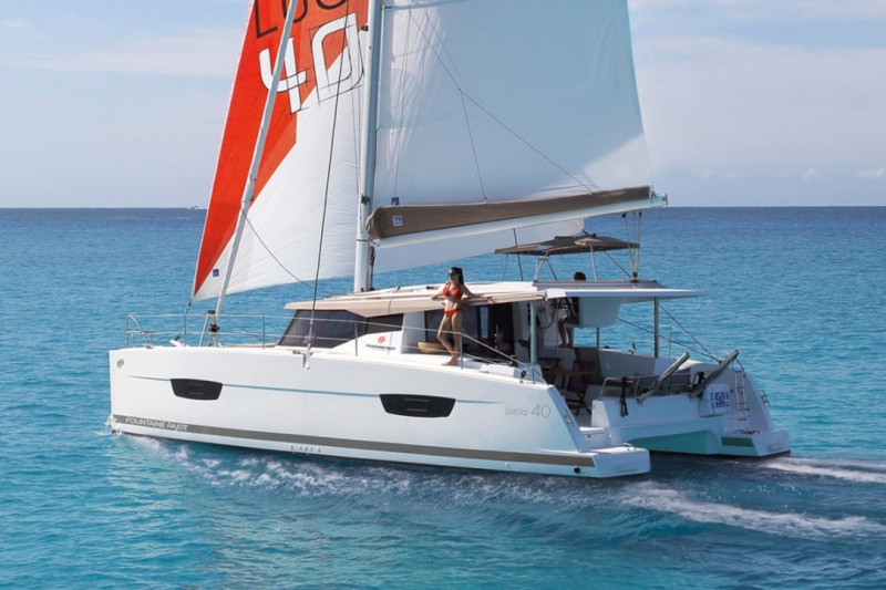 Fountaine Pajot Lucia 40 Whoop-Sea