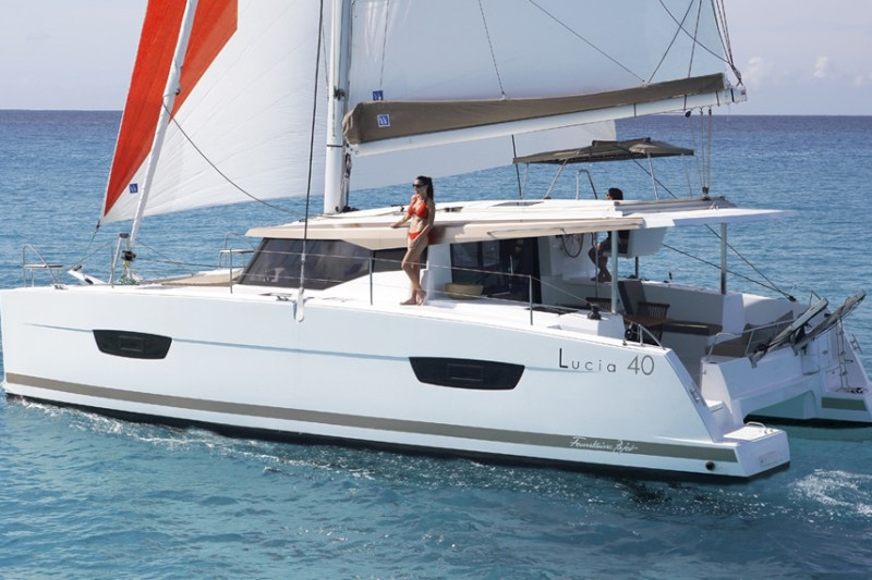 Fountaine Pajot Lucia 40 Fitti