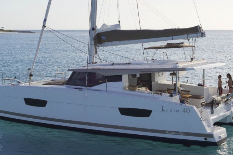 Fountaine Pajot Lucia 40 Amber