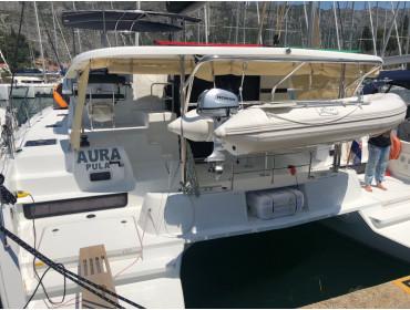 Lagoon 42 Aura