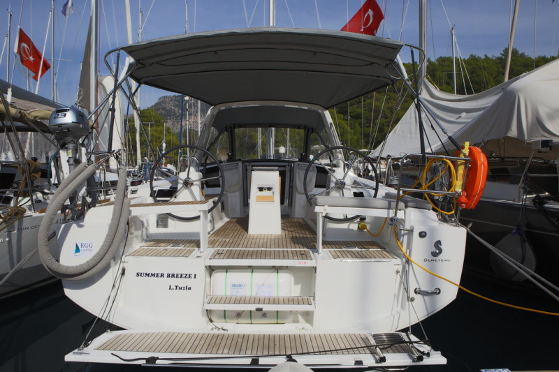 Oceanis 38.1 Summer Breeze 1