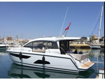 Sealine C330 Destiny of Plymouth