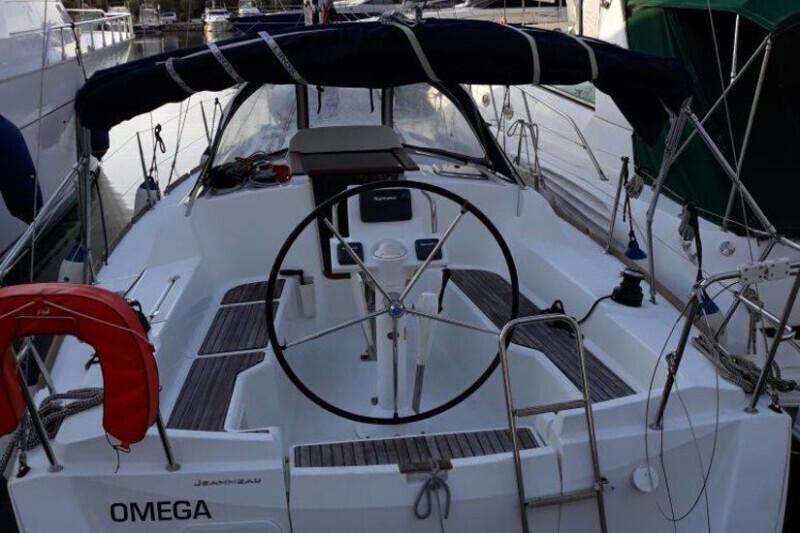 Sun Odyssey 33i Omega