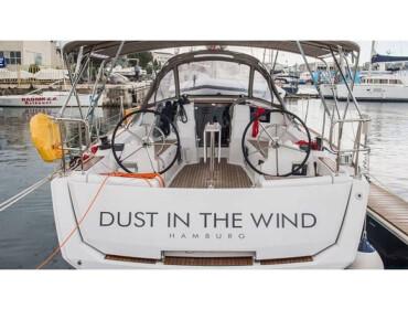 Sun Odyssey 389 JP DUST IN THE WIND