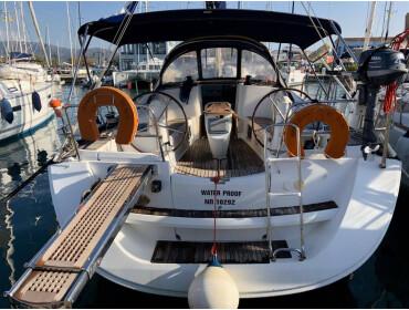 Sun Odyssey 42 i Performance Waterproof