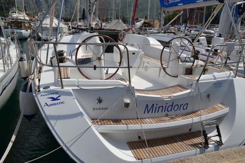 Sun Odyssey 42i Minidora