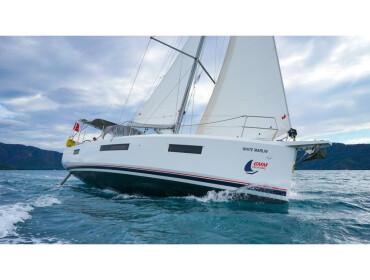 Sun Odyssey 440  White Marlin