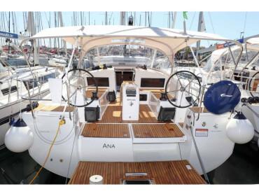 Sun Odyssey 440 Ana