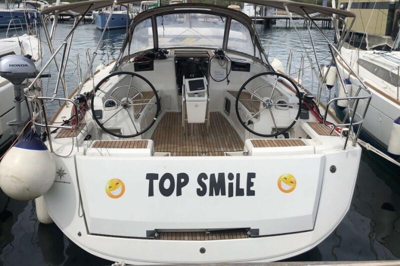 Sun Odyssey 449 Top Smile