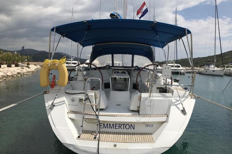 Sun Odyssey 44i Emmerton
