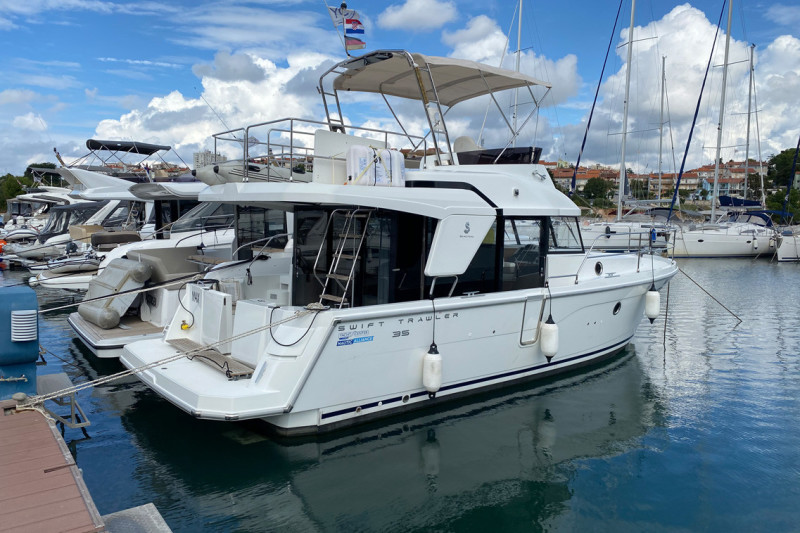 Swift Trawler 35 Max